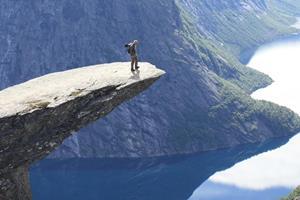 slide 2013 Norwegen Trolltunga jo